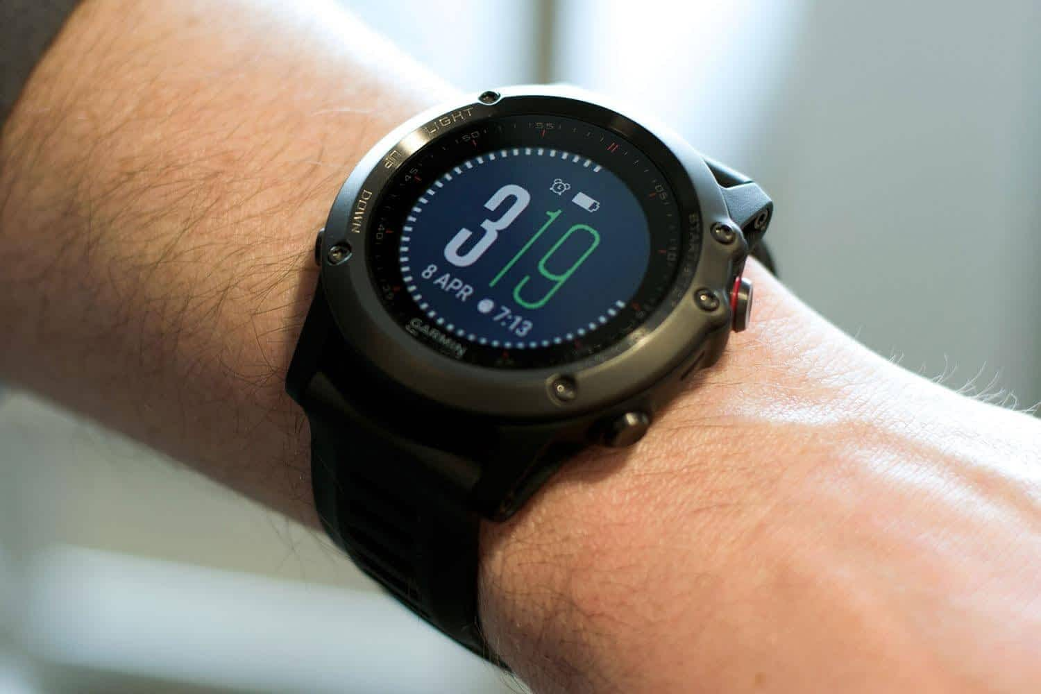 garmin-fenix-3-on-wrist_-1500x1000